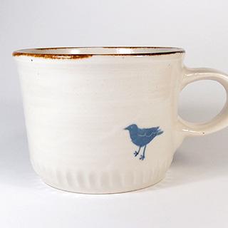 原村俊之さんの鳥柄のカップ
